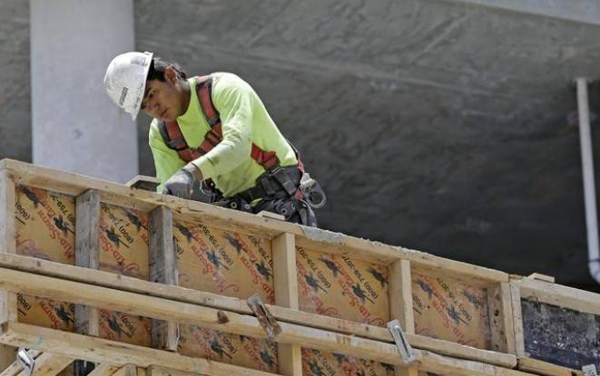 Kelowna area housing starts hit record high (Global Okanagan)